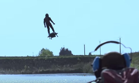 Flyboard Air in action